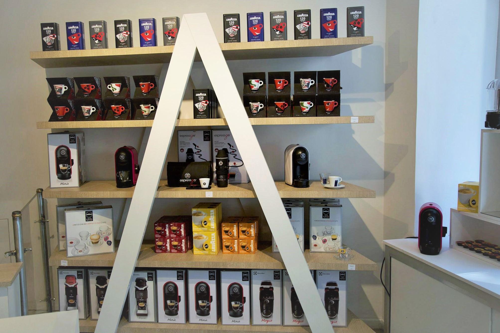 paris caf et restaurant ph m res 120 ans lavazza 19 au 24 juin romain paris. Black Bedroom Furniture Sets. Home Design Ideas