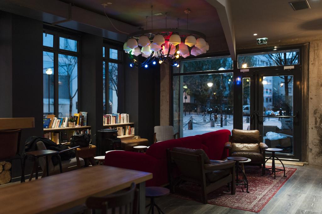 Les piaules r invente l 39 auberge de jeunesse romain paris - Auberge de jeunesse salon de provence ...