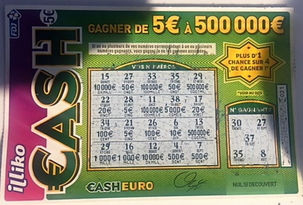 Ticket CASH ILLICO Gagnant 100 euros